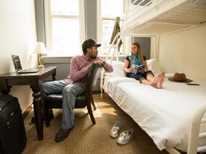 hostelling-international-chicago-300x225