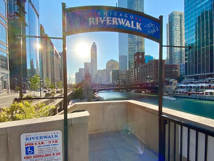 chicago river walk entree